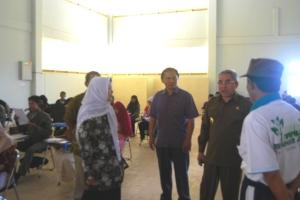 Bupati Kutim, Isran Noor, meninjau plaksanaan Uajian Akhir Semester (UAS) STAIS Kutim